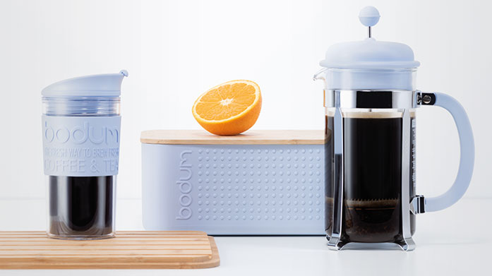 Bodum Brighten up your day with a delicious cup of freshly-brewed coffee: make your coffee in the comfort of your home and take it on the go, stylishly.