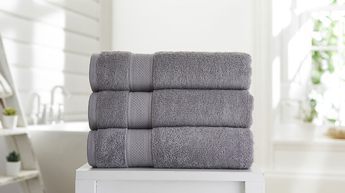 Plush Towels Relax at home in total bliss with our collection of soft, plush towels by Deyongs. Shop hand towels, bath towels and bath sheets.