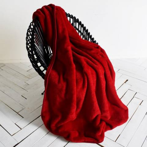 Kilburn & Scott Dark Red Ultimate Fleece Throw 150x210cm