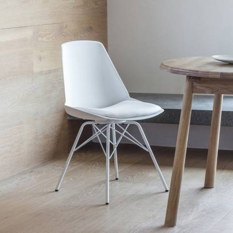 Gallery Set of 4 White Finchley Chairs