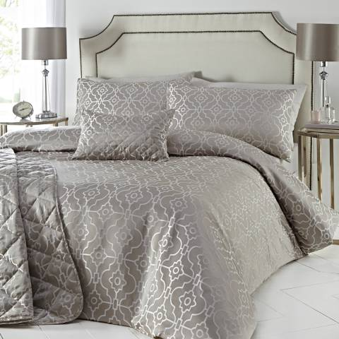Portfolio Pagoda Quilted Bedspread, Stone