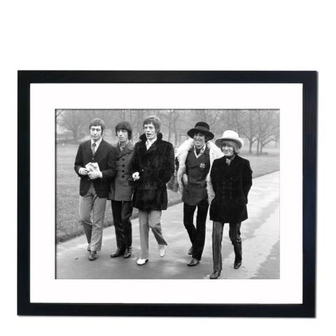 51 DNA The Rolling Stones Strolling in London's Green Park, Framed Art Print