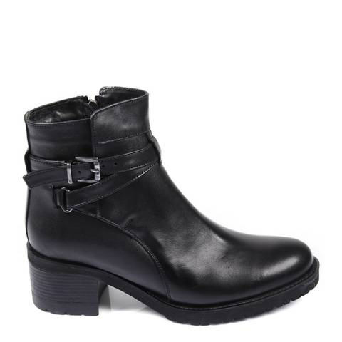 Gön Black Leather Strappy Buckle Block Heel Ankle Boots