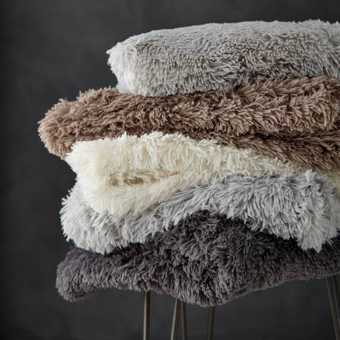 Catherine Lansfield Cuddly Throw, Silver