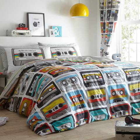 Kids Club Retro Cassettes Quilted Throw
