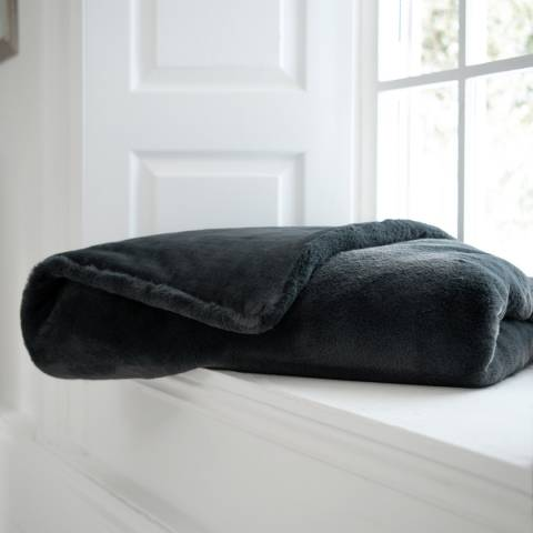 Deyongs Charcoal Bolingbroke Quilted Throw 150x200cm