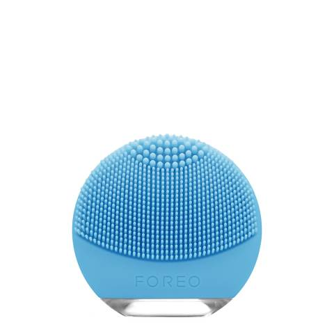 FOREO LUNA go Facial Cleansing Brush for Combination Skin