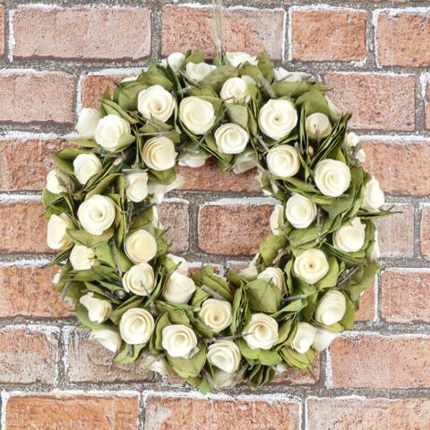 The Satchville Gift Company Round wreath with flowers