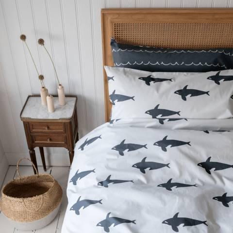 Anorak Orca Housewife Pillowcase