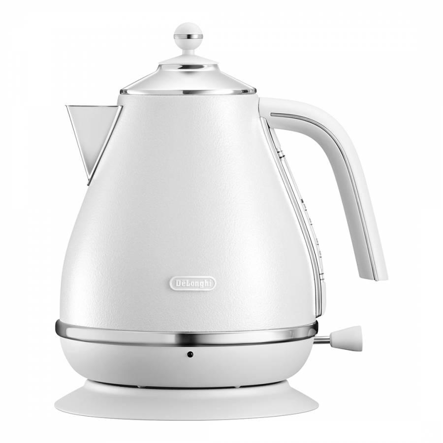 White Delonghi Icona Elements Kettle And Toaster Set