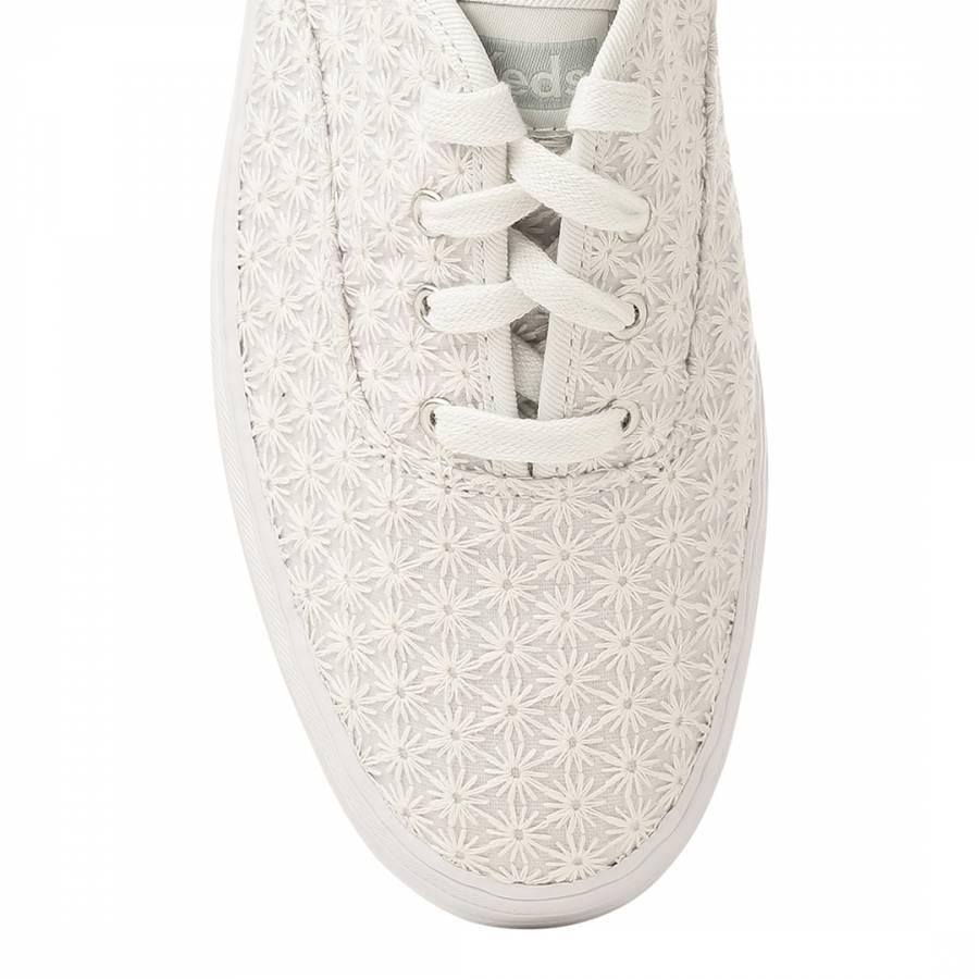 e9e945c6761 Women s White Crochet Mini Daisy Triple Stacks - BrandAlley