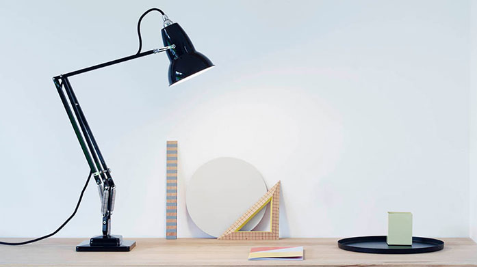 Anglepoise Discover flexible and functional lighting from British design pioneers, Anglepoise. Shop desk, floor and wall lamps, perfect for your home office.