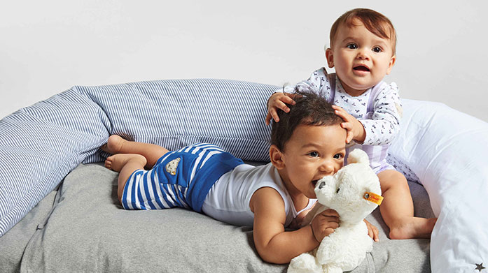 Steiff Clothing Find a range of quality childrenswear and baby essentials from our brand new edit of Steiff clothing. Shop t-shirts, babygrows, sweatshirts and more.