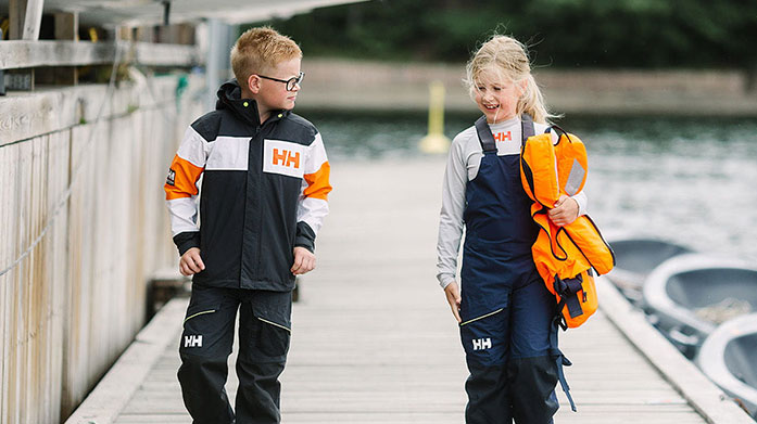 Helly Hansen Kid's Choose Helly Hansen's colourful designs for your little ones! Discover kids' waterproof jackets, trousers and fleeces for boys and girls.