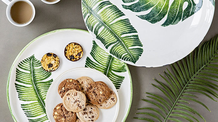Stylish Serveware Set a wonderfully stylish dinner table this summer with this new collection of serveware, featuring dinner plates, bowls, jugs and coasters.