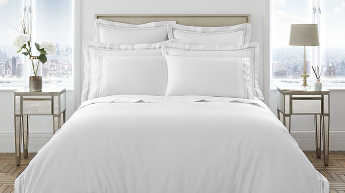 Luxury 1000 Thread Count Linens Cosy up in a bed made with the highest quality linens, at a thread count of 1000, these luxe linens will make dreams of the perfect nights sleep a reality.