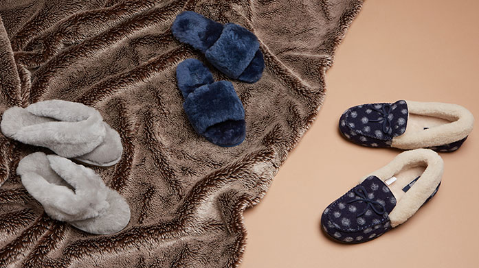 Luxe Slipper Gifts for Her Who doesn't love a pair of soft and cosy slippers? Gift her a pair of sheepskin slippers from Australia Luxe, UGG or Fenlands.