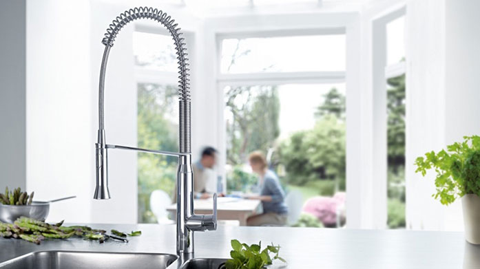 GROHE Kitchen Unite form and function with contemporary flare using GROHE's range of stylish kitchen taps and sinks.