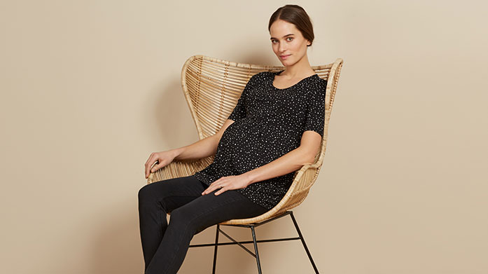 Isabella Oliver Luxury, ethically sourced maternity clothing for stylish mums to be. Shop Isabella Oliver dresses, casual tees, maternity jeans and more.