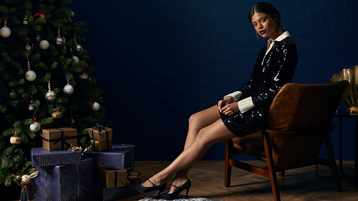 What To Wear Christmas Day for Women Ensure you look your best on the big day with our edit of Christmas Day outfits, from party dresses and jumpsuits to designer jeans and jumpers.