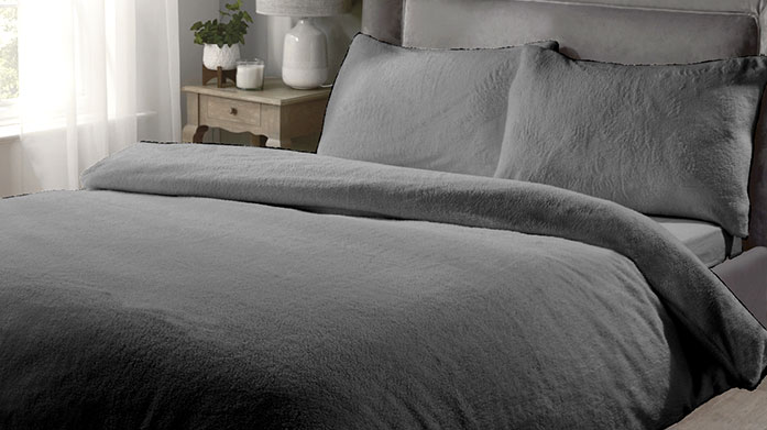 Fleecy Bedding & Throws This winter, wrap up in luxury with a sumptuously soft fleecy throw and soft teddy duvet set.