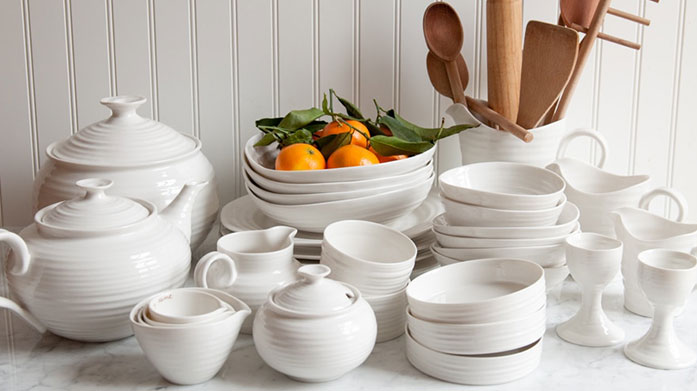 Sophie Conran Classic and timeless, this tableware and cutlery range from British designer Sophie Conran is designed with fine dining in mind.