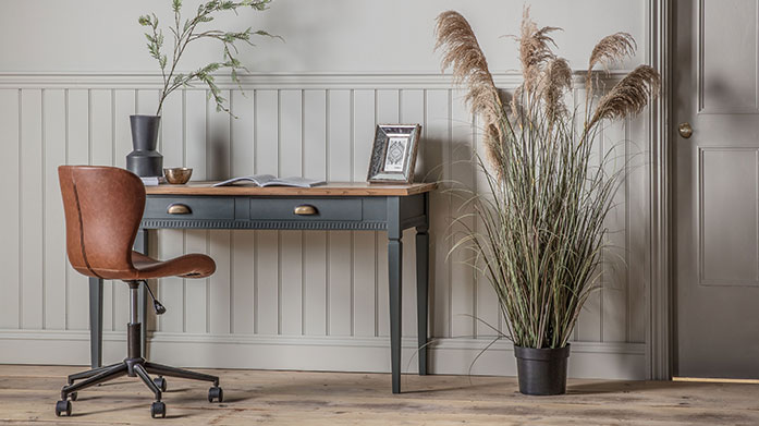 Country Living Furniture Bring country casual furnishings into your home with sideboards, bedroom chairs, cabinets and other home classics from Gallery.