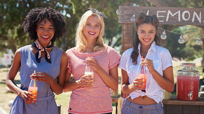 Regatta Womenswear Make it your mission to spend more time outdoors. Look the part with Regatta: jackets, tees, hoodies and more.