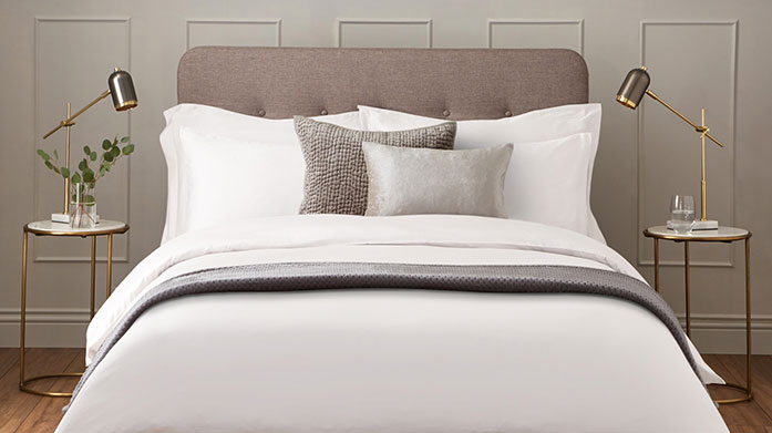 600 Thread Count Linens Add a touch of quality to your bedroom with soft 600 thread count linens. Shop duvet covers, sheets and pillowcases.