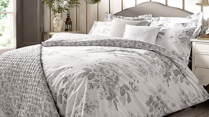 Cabbages & Roses Bed Linen Cabbages & Roses' bedding is beautifully romantic and full of vintage enchantment! Shop duvet covers, pillowcases and cushions.
