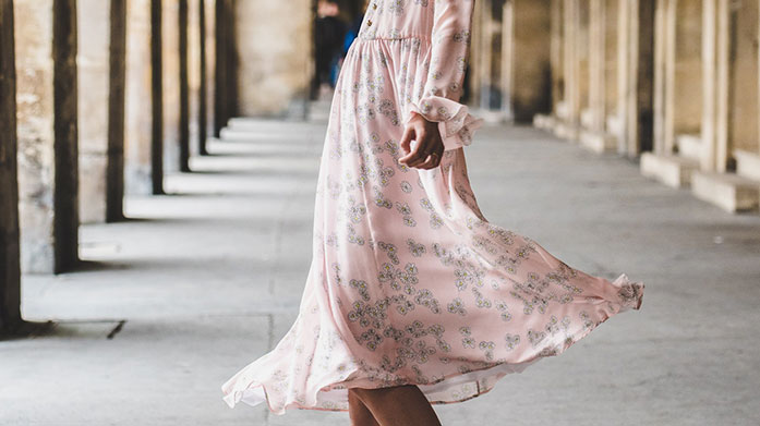 Ditsy Florals This summer, choose ditsy florals for a fresh, feminine look. Our edit features dresses, blouses, shoes and accessories.