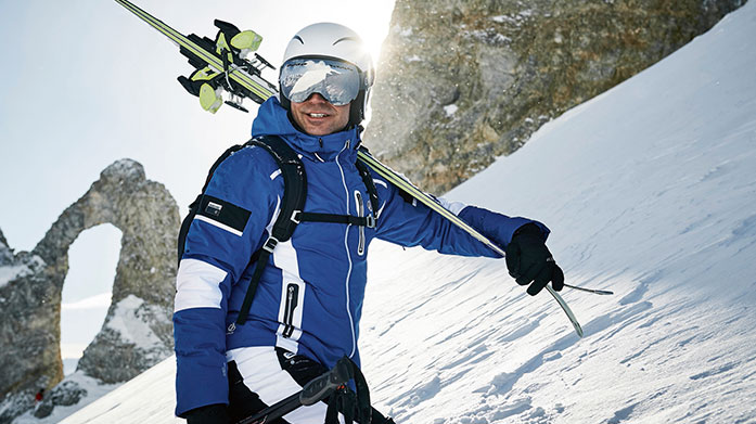 Dare 2B Men's Skiwear Kit yourself out with all your skiing and snowboarding essentials with our Dare 2B skiwear collection. Shop ski jackets, trousers and more.