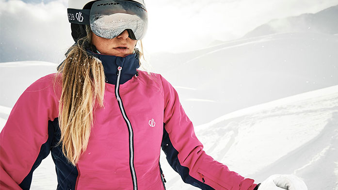 Dare 2B Women's Skiwear  Kit yourself out for the slopes with a warm, stylish winter outfit from Dare 2B. Shop base layers, ski jackets and winter accessories.