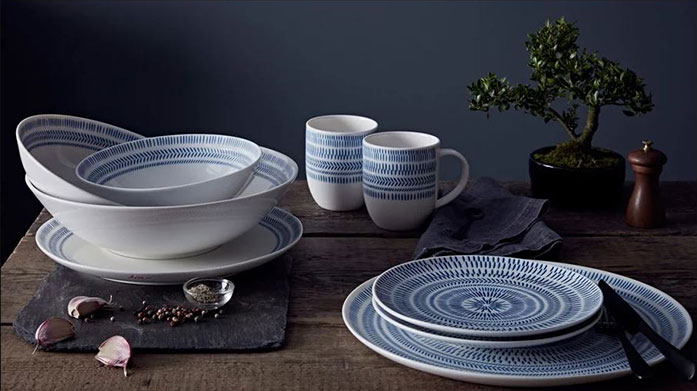 Royal Doulton Make meal times a laidback but super stylish affair with Royal Doulton's contemporary collection of tableware sets.
