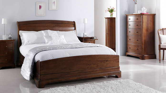 Willis & Gambier Furniture Willis & Gambier's bedroom and dining furniture collections are stylish and beautifully made to fit seamlessly into your home.
