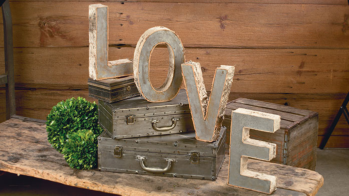 Tripar Uniquely distressed, shabby chic accents from Tripar. There's ornate mirrors, statement clocks, faux fur softs and more.