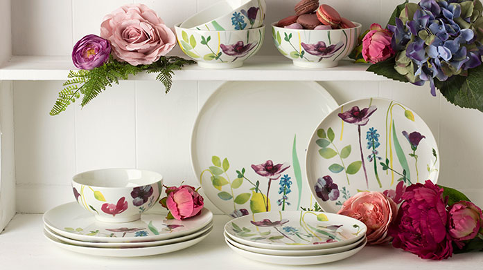 Portmeirion Water Garden Add a splash of floral charm to your table with the Portmeirion Water Garden collection. Shop plates, mugs, jugs and cutlery.