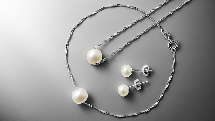 Mitzuko Pearls Jewellery doesn't get classier than this. Discover a range of elegant pearl necklaces, earrings and bracelets by jewellery masters Mitzuko.