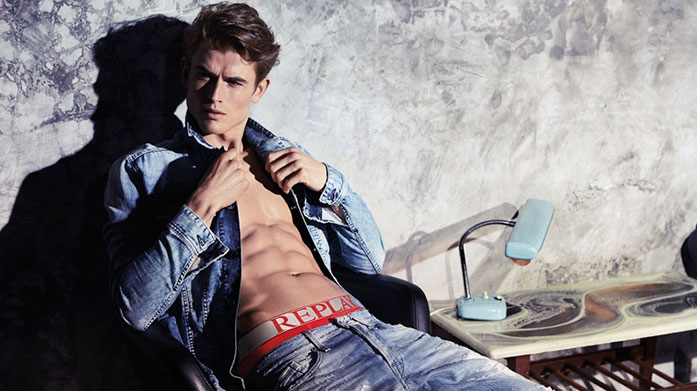 Replay Men's Jeans Classically cut Italian jeans for men in a range of vintage washes by Replay. Shop easy to wear skinny, slim and straight jeans. Jeans from £39.