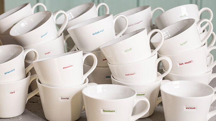 Top Brand Dining Discover classic mugs from Keith Brymer Jones, beautifully modern crockery from Sophie Conran and sleek glassware from Luigi Bormioli.