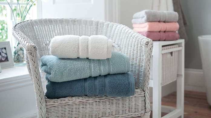 Deyongs Towels Deyong's bathroom towel ranges are well known for their quality, elegance and heritage. Choose from a wide range of colours and patterns.