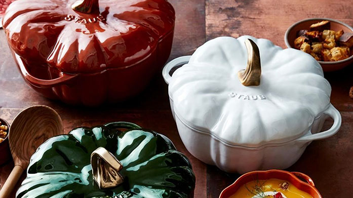 Staub Stay in and set the table with Staub this autumn. Feast on our edit of cocotte dishes, appertiser sets, bowls and more.